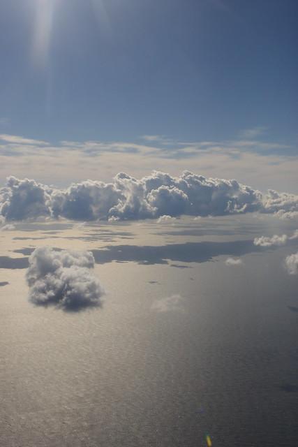 飛行機の窓外