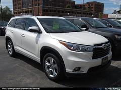 Toyota Highlander (TheTransitCamera) Tags: new white car display lot highlander toyota vehicle suv dealership 2016