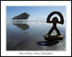 Indalo en la Playa de Monsul, San José, Parque Natural Cabo de Gata - Nijar, Almería, Spain (Jequiles) Tags: sanjose playa almeria cabodegata indalo monsul playademonsul