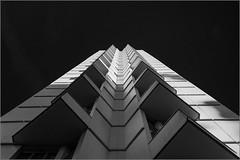 Rennes - L'éperon (IV) [Explored] (Hervé Marchand) Tags: architecture blackwhite triangle noiretblanc perspective bretagne repetition rennes urbain spr exterieur eperon