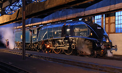 Sir Nigel Gresley (Treflyn) Tags: night train railway steam locomotive a4 didcot sirnigelgresley 60007