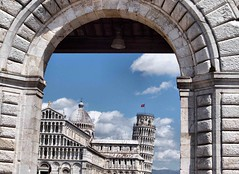 Framed Italy2015 161 (saxonfenken) Tags: tower arch framed pisa superhero leaning 161 itally cathedal thechallengefactory 161italy