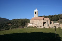 """Església d'Hortsavinyà <a style=""""margin-left:10px; font-size:0.8em;"""" href=""""http://www.flickr.com/photos/134196373@N08/20288200821/"""" target=""""_blank"""">@flickr</a>"""