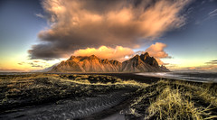 Clouds over Vestrahorn (Nick L) Tags: vestrahorn vesturhorn landscape mountains clouds dawn sunrise sea iceland islande seascape canonef1124f4l horn stockness hofn h3 hofnh3 höfn