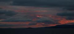 de Oksfjord à Batsfjord #17 (S amo) Tags: norway norvege hurtigruten ciel sky cloud nuage soleil sun red rouge rose pink somptueux sumptuous twilight coucherdesoleil coucher