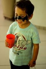 IMG_8095 (Stephanietekka) Tags: children retrato infantil batman criana festa