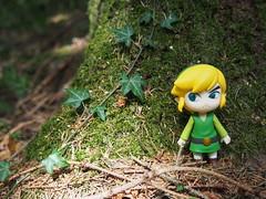 Hiding Toon-Link (sh0pi) Tags: smile wind good nintendo company figure link zelda gsc figur ver 413 the waker goodsmile nendoroid toonlink