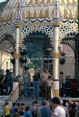Teggiano (SA), 1978, Festa di San Cono: cassa armonica. (Fiore S. Barbato) Tags: italy campania vallo diano teggiano festa feste san cono sancono processione cente centa cinti cinto cassa armonica