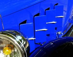 (MAGGY L) Tags: dmcfz200 automobile années30 détail phares capot bleu vintage paysbasque