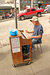 Seattle Street Piano Player (craigsanders429) Tags: seattle musician streetmusician piano street cityscapes cityscenes streetscenes urbanscenes urban cities streetphotography