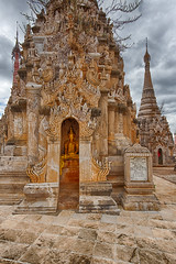 Kakku (davidthegray) Tags: shanstate burma hdr myanmar pagoda kakku buddhist birmania kekku paya shan statoshan stupa zedi étatshan ကက္ကူ မိူင်းတႆး ရှမ်းပြည်နယ် myanmarburma mm gold buddha