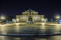 Dresden-037 (s4rgon) Tags: dresden nacht gebäude elbe semperoper