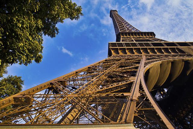 エッフェル塔(パリ人気観光地)