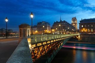 Pont d'Arcole & Cathédrale Notre-Dame de Paris