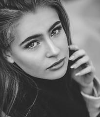 ...look at me (David Go ~) Tags: makro macro details shooting street streetphotography germany karlsruhe woman sweet young monochrome blackandwhite sw bw tamron90mm canoneos6d davego davidgo wonderfuleyes blueeyes closeup art lady natur outdoor