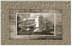 Building (friedrichfrank1966) Tags: rahmen design outdoor school schule monochrome einfarbig buildings gebäude architektur