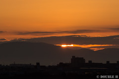 Itami Sky Park 2017.1.1 (6) the first sunrise of New Year (double-h) Tags: eos6d ef300mmf28lisiiusm rjoo itm osakaairport itamiairport 大阪空港 伊丹空港 airplane 飛行機 伊丹スカイパーク itamiskypark mtikoma ikomayama sunrise