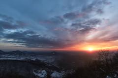 Peace of Mind (Silvio1987) Tags: canon6d canon1635 manfrotto giottos collieuganei hills italy italia landscape light sunset sky clouds veneto sun