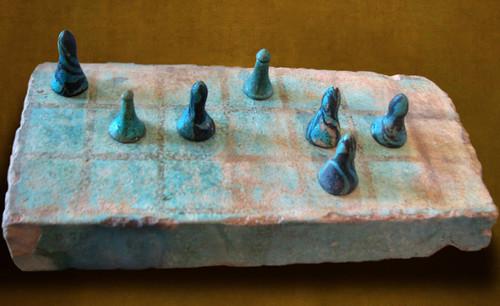 "Senet - Lujoso sistema de objetos lúdicos obsequio del dios Toht a la faraona Nefertari • <a style=""font-size:0.8em;"" href=""http://www.flickr.com/photos/30735181@N00/32399618951/"" target=""_blank"">View on Flickr</a>"
