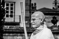 Dalai lama?? (Joaquínrod) Tags: bw dalai monje persona retrato religión meditacion