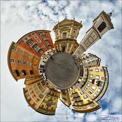 Nice, Place Rossetti. (Dany-de-Nice) Tags: france alpesmaritimes 06 nice vieuxnice rossetti placerossetti petiteplanète littleplanet weeplanet panoramique panoramic pano autopano oloneo 6d fisheye 15mm