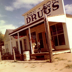 Bon-Ton Drugs (Midnight Believer) Tags: travel vacation tourists lostphoto outdoors retro 1960s
