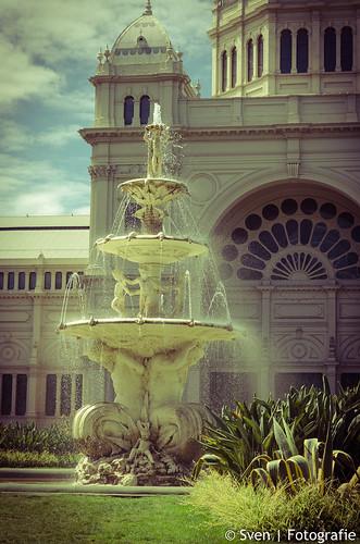 Royal Exhibition Building Melbourne Fontain