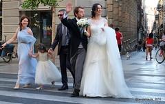 Bodorrio (Landahlauts) Tags: wedding bride boda stranger andalucia granada matrimonio casamiento novios novia novio enlace extrao pasodepeatones robado desconocidos fotosdeboda groon robandoalmas stealingsouls callegranvia fotografio