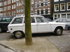 1974 PEUGEOT 204 Break (ClassicsOnTheStreet) Tags: classic car station amsterdam wagon 1974 break estate outdoor 70s vehicle oldtimer streetphoto spotted 1970s import centrum 204 peugeot stationwagon straatbeeld strassenszene pininfarina imported 2014 lindengracht klassieker gespot peugeot204 stationcar 204break stationwagen straatfoto dejordaan carspot peugeot204break straatview 69ya95 ingevoerd sidecode3
