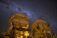 Observing the Galaxy (josefrancisco.salgado) Tags: 24mmf14g alma aos arrayoperationssite atacamadesert atacamalargemillimeterarray chajnantorplain chile d810a desiertodeatacama iiregióndeantofagasta lavíaláctea llanodechajnantor llanodechajnantorobservatory nikkor nikon provinciadeelloa sanpedrodeatacama themilkyway astrofotografía astronomy astronomía astrophotography cielonocturno desert desierto estrellas interferometer interferómetro llano night nightsky observatorio observatory plain plateau radiotelescope radiotelescopio stars cl