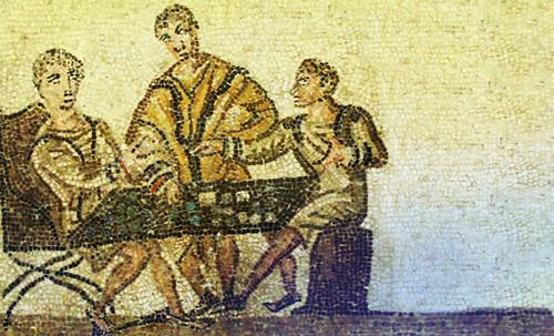 "Petteia - Ludus Latrunculorum  / Iconografía de las civilizaciones helenolatinas • <a style=""font-size:0.8em;"" href=""http://www.flickr.com/photos/30735181@N00/32143093550/"" target=""_blank"">View on Flickr</a>"