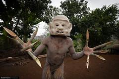 PNG 2013 - Highlands & Tambul - 059FL.jpg (Ronald Vriesema) Tags: highlands png papuanewguinea mudmen asaro easternhighlandsprovince papuanuevaguinea папуановаягвинея 巴布亞新幾內亞 eastpapua パプアニューギニアの