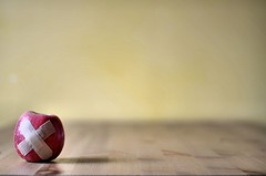 Apple-aid ! (CJS*64) Tags: red colour apple nikon craig nikkor 50mmf18d tabletop cjs nikkorlens redapple 50mmf18lens appleade sunter 50mmnikkorlens d7000 nikond7000 craigsunter cjs64 appleaid