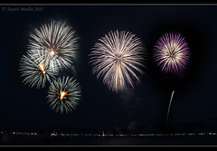 July 4th 2015 Fireworks -  [Explored - July 18th 2015 #147] (Jayesh Modha) Tags: fireworks explore happy4thofjuly 4thofjulyfireworks happyindependenceday nikond90 lakefireworks 18105mmf3556gvr jayeshmodha jayeshmodhanikond90 coeurdalene2015fireworks cda2015fireworks