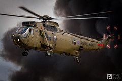 Royal Navy Sea King HC.4 ZA298 (philrdjones) Tags: aircraft july airshow helicopter westland commando seaking royalnavy airdisplay 2015 chf airday yeovilton rnas jungly assaultdemo commandohelicopterforce za298