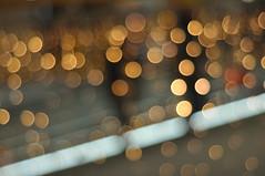 Bokeh-Rolltreppe (nirak68) Tags: 003365 cittipark beleuchtung lampen weihnachten rolltreppe lübeck 2017ckarinslinsede bokeh led schleswigholsteinkreisfreie deutschland schleswigholsteinkreisfreiehansestadtlübeck ger