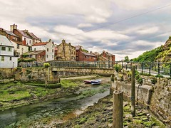 Staithes (Ian Gedge) Tags: england english uk britain yorkshire northyorkshire north coast harbour river water staithes