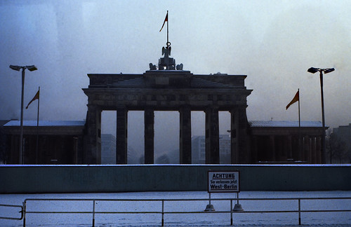 "20 Berlin-Klassenfahrt 1978: Brandenburger Tor • <a style=""font-size:0.8em;"" href=""http://www.flickr.com/photos/69570948@N04/18338213411/"" target=""_blank"">View on Flickr</a>"