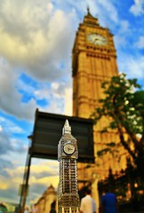 #london (mtudis) Tags: uk london art canon watch bigben londonstreetphotography eos1100d