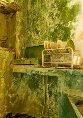 ΜΕΜΟΡΙΕS (MARIDAKIS LEFTERIS) Tags: παλια σπηλι παλιοσπιτι πιατα 20157d πιατοθηκη