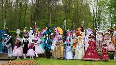 2015-05-01_15-11-05_ILCE-6000_DSC02682 (miguel.discart) Tags: iso100 divers sony carnaval visite masque 105mm annevoie 2015 venetianmasks focallength105mm masquedevenise focallengthin35mmformat105mm e1670mmf4zaoss ilce6000 sonyilce6000 sonyilce6000e1670mmf4zaoss