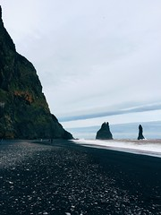 YO APPLE PICK THIS FOR THE SHOT ON IPHONE CAMPAIGN (saradietschy) Tags: 6 black beach apple iceland sand plus iphone