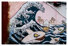 La Gran Ola de Hokusai en El Cabanyal (Lanpernas 2.0) Tags: muro valencia pared paint grafiti playa hokusai barrio pintada tiburones cabanyal especulacin grafito laola corrupcin gentrificacin