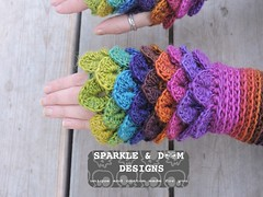 crocodileMitts 02d (zreekee) Tags: crochet sparkledoomdesigns saskatchewan rainbow mitts bonitadesigns