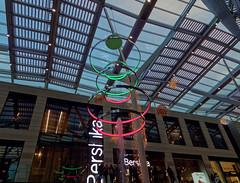 Les cercles - The circles (p.franche Occupé - Busy) Tags: lx3 bruxelles brussel brussels belgium belgique belgïe europe pfranche pascalfranchehdr dxo flickrelitearchitectoryarchitecturepeoplegensshoppingcerclecirclelightlumièreledurbanpeoplegalleriegallerywindowfenêtreaciersteel dokx bruxsel fountain fontaine