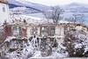 Χιόνια σε ότι απέμεινε. (theo.mirk) Tags: καστορια μακεδονίαελλάδα χιόνι λίμνη πάγοσ snow frozen lake oldhouse abandoned σπιτι εγκαταλελειμμένο macedoniagreece makedonia