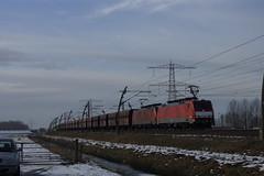 DB Cargo 189 044-1 + 189 047-4 met kolentrein over de Betuweroute bij Angeren richting Emmerich 15-01-2017 (marcelwijers) Tags: db cargo 189 0441 0474 met kolentrein over de betuweroute bij angeren richting emmerich 15012017 044 047 deutsche bahn nederland niederlande netherlands paysbas chemin fer hollande trein train siemens es 64 f4 betuwe route gelderland freight eisenbahn railway railways electrische locomotief lokomotief electrical dubbeltractie dubbel tractie baureihe br class