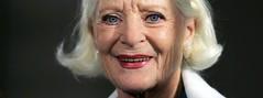 urn:newsml:dpa.com:20090101:150527-99-05512 (ronnievincent2) Tags: lächeln neutral elisabethwiedemann potsdam brandenburg deutschland