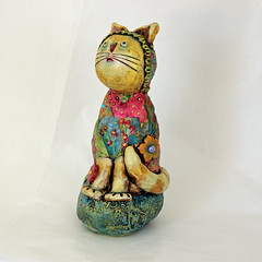 Ms.Cat in the Hat (StrebeDesigns) Tags: sculpture cats polymerclay artdoll pcagoe strebedesigns