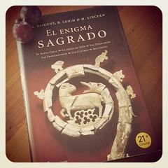 Placeres del verano!!!!... Un libro perseguido y ciruelas negras de Los Silos.